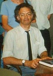 Kirjailijan kuva. John Van der Kiste, Amazon