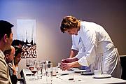 "Författarporträtt. Achatz plating a dish for diners at Alinea / Photo by <a href=""https://www.flickr.com/people/johnjoh/"" rel=""nofollow"" target=""_top"">Johnn</a>"