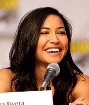Foto de l'autor. Naya Rivera at the 2010 Comic Con in San Diego. Attribution: Gage Skidmore