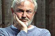 Kirjailijan kuva. Michael Fenton Stevens/BBC