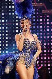 Foto do autor. Showgirl concert in Sportpaleis, Antwerp, Belgium, March 28, 2005 <br>(Author: Prince Charming, Wikipedia user)</br>