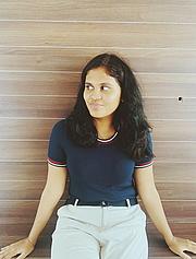 Kirjailijan kuva. Shwetha Mahendran
