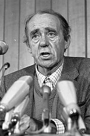 Foto de l'autor. Photo by Harald Hoffmann, 1981. (Deutsches Bundesarchiv Bild  B 145 Bild-F062164-0004)