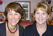 Kirjailijan kuva. Kate Heling and Debbie Hembrook