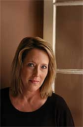 Foto de l'autor. Author photograph courtesy of newmysteryreader.com.  Author photograph taken by Bill Youngblood.