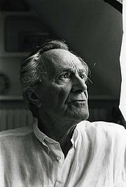 Autoren-Bild. Jean-François Lyotard en 1995.