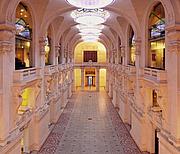 Kirjailijan kuva. Musée des Arts Décoratifs, Paris (Palais du Louvre)