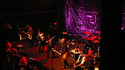 Photo de l'auteur(-trice). Flogging Molly performing live at Rams Head Live in Baltimore, MD / Photo by Darkterp