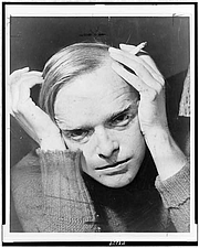 Kirjailijan kuva. Roger Higgins