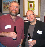 """Foto do autor. Steven E. Popkes (left) with Mike Mignola <br> at the Science Fiction Writers of America annual reception in New York City, 2006<br>Copyright © 2006 <a href=""""http://ronhogan.tumblr.com"""">Ron Hogan</a>"""