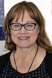 """Foto de l'autor. Author Kathleen Baldwin at the 2015 Texas Book Festival. By Larry D. Moore, CC BY-SA 4.0, <a href=""""https://commons.wikimedia.org/w/index.php?curid=44336483"""" rel=""""nofollow"""" target=""""_top"""">https://commons.wikimedia.org/w/index.php?curid=44336483</a>"""