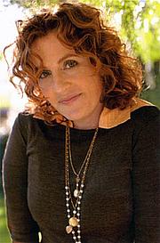 Författarporträtt. ayeletwaldman.com