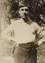 Author photo. Raymond Radiguet vers 1918.