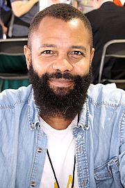 """Författarporträtt. Author and illustrator Javaka Steptoe at the 2017 Texas Book Festival. By Larry D. Moore, CC BY-SA 4.0, <a href=""""https://commons.wikimedia.org/w/index.php?curid=63910633"""" rel=""""nofollow"""" target=""""_top"""">https://commons.wikimedia.org/w/index.php?curid=63910633</a>"""