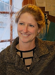 Kirjailijan kuva. Author Wendy Hinman, Photo by Lee Youngblood