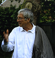 Kirjailijan kuva. Denisfo