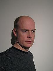 Kirjailijan kuva. Sean Ferrell