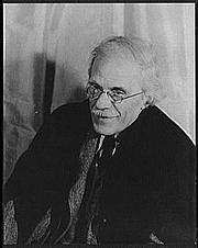 Fotografia de autor. Photo by Carl Van Vechten, Apr. 17, 1935 (Library of Congress, Prints & Photographs Division, Carl Van Vechten Collection, Reproduction Number: LC-USZ62-103681)