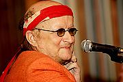 """Autoren-Bild. <a href=""""http://www.hs.fi/kulttuuri/artikkeli/Juice+Leskinen+on+kuollut/1135223230413"""" rel=""""nofollow"""" target=""""_top"""">http://www.hs.fi/kulttuuri/artikkeli/Juice+Leskinen+on+kuollut/1135223230413</a>"""