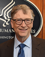 "Foto de l'autor. Bill Gates on March 14, 2018. By United States Department of Health and Human Services - <a href=""https://www.flickr.com/photos/hhsgov/39912162735/"" rel=""nofollow"" target=""_top"">https://www.flickr.com/photos/hhsgov/39912162735/</a>, Public Domain, <a href=""https://commons.wikimedia.org/w/index.php?curid=69351594"" rel=""nofollow"" target=""_top"">https://commons.wikimedia.org/w/index.php?curid=69351594</a>"