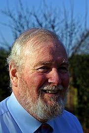 Kirjailijan kuva. the Revd Dr Peter Howson in 2012