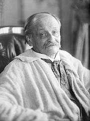 Foto do autor. Georges Courteline, Novembre 1926