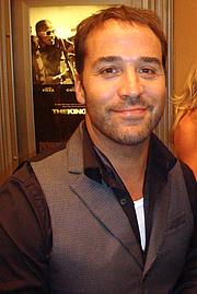 Forfatter foto. wikimedia.org/keithmiddlebrook