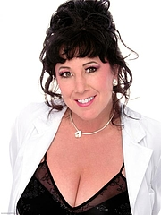 """Kirjailijan kuva. By Annie Sprinkle - Randal Alan Smith, GFDL, <a href=""""https://commons.wikimedia.org/w/index.php?curid=16583439"""" rel=""""nofollow"""" target=""""_top"""">https://commons.wikimedia.org/w/index.php?curid=16583439</a>"""