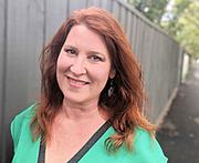 """Författarporträtt. <a href=""""https://www.goodreads.com/author/show/1015974.Gina_Wilkinson"""" rel=""""nofollow"""" target=""""_top"""">https://www.goodreads.com/author/show/1015974.Gina_Wilkinson</a>"""
