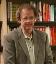 Kirjailijan kuva. Brian Herbert at a book signing at Books Inc. in Mountain View, by Matt Crampton from Sunnyvale, CA, USA