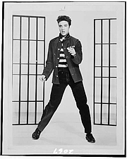 Kirjailijan kuva. Elvis Presely (1935-1977) 1957 photograph (Library of Congress Prints and Photographs Division. Reproduction Number: LC-USZ6-2067)