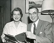 Fotografia de autor. Kenneth E. Kidd with his wife Martha Ann Kidd [credit: Trent University Archives; photo by Jack Marshall]