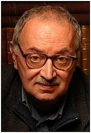 Foto do autor. via Babelio.com