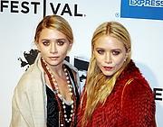 "Författarporträtt. Ashley Olsen and Mary-Kate Olsen attending the premiere of The Union at the Tribeca Film Festival. Taken by <a href=""http://blog.shankbone.org/"" rel=""nofollow"" target=""_top"">David Shankbone</a>."