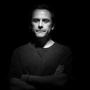 Forfatter foto. British thriller writer Michael Marshall (aka Michael Marshall Smith)  Image copyright © Steve Double, 2006