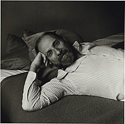 "Foto do autor. Seymour Kleinberg. Photo from <a href=""http://www.elisarolle.com/ramblings/persistent_voices/particular_voices_10.htm"" rel=""nofollow"" target=""_top""><i>Particular Voices: Portraits of Gay and Lesbian Writers</i></a>"