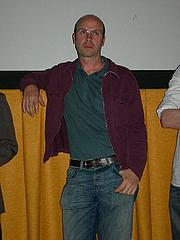 Forfatter foto. Photo by Joe Mabel (Wikimedia Commons)