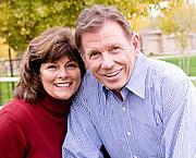 Foto de l'autor. Richard & Linda Eyre. Mormon Times.