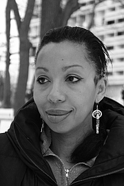 """Foto de l'autor. French author Marie NDiaye in 2013 By Sohn von Marie NDiaye - Foto gemacht vom Sohn von Marie NDiaye, CC BY-SA 3.0, <a href=""""//commons.wikimedia.org/w/index.php?curid=24858447"""" rel=""""nofollow"""" target=""""_top"""">https://commons.wikimedia.org/w/index.php?curid=24858447</a>"""