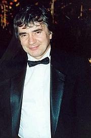 Fotografia de autor. Photo by Alan Light, 1991 (Cropped ~ Wikimedia/Flickr)