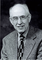 """Forfatter foto. Photo released by Hilary Putnam, as copyright holder. See <a href=""""http://en.wikipedia.org/wiki/Image:Hilary_Putnam.jpg"""">Wikipedia</a>"""