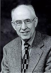 """Författarporträtt. Photo released by Hilary Putnam, as copyright holder. See <a href=""""http://en.wikipedia.org/wiki/Image:Hilary_Putnam.jpg"""">Wikipedia</a>"""