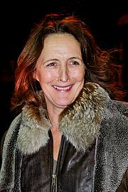 Författarporträtt. wikimedia.org/marielannguyen