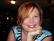 "Foto do autor. <a href=""https://www.goodreads.com/author/show/2261547.Rachel_Hawkins"" rel=""nofollow"" target=""_top"">https://www.goodreads.com/author/show/2261547.Rachel_Hawkins</a>"
