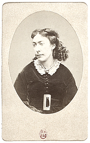 """Foto do autor. By Unknown. Collection Georges Sirot. Upload stitch and restoration by Jebulon - Bibliothèque nationale de France, Public Domain, <a href=""""https://commons.wikimedia.org/w/index.php?curid=25033107"""" rel=""""nofollow"""" target=""""_top"""">https://commons.wikimedia.org/w/index.php?curid=25033107</a>"""