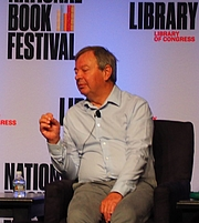 """Forfatter foto. reading at the National Book Festival, Washington, D.C. By slowking4 - Own work, GFDL 1.2, <a href=""""https://commons.wikimedia.org/w/index.php?curid=72267085"""" rel=""""nofollow"""" target=""""_top"""">https://commons.wikimedia.org/w/index.php?curid=72267085</a>"""