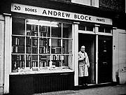 Författarporträtt. Andrew Block at the door of his book shop.