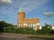 "Foto do autor. Odhams Press Hall, Watford, built 1954 By Nigel Cox, CC BY-SA 2.0, <a href=""https://commons.wikimedia.org/w/index.php?curid=7331195"" rel=""nofollow"" target=""_top"">https://commons.wikimedia.org/w/index.php?curid=7331195</a>"