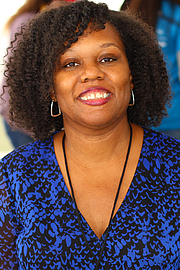 "Foto de l'autor. Author Kelly Starling Lyons at the 2019 Texas Book Festival in Austin, Texas, United States. By Larry D. Moore, CC BY-SA 4.0, <a href=""https://commons.wikimedia.org/w/index.php?curid=83497068"" rel=""nofollow"" target=""_top"">https://commons.wikimedia.org/w/index.php?curid=83497068</a>"
