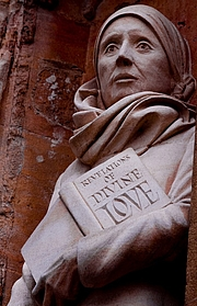 """Foto do autor. By rocketjohn - Julian of Norwich, CC BY-SA 2.0, <a href=""""https://commons.wikimedia.org/w/index.php?curid=13553020"""" rel=""""nofollow"""" target=""""_top"""">https://commons.wikimedia.org/w/index.php?curid=13553020</a>"""